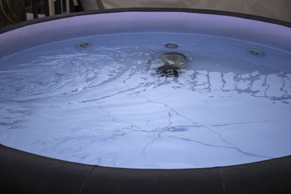 How to Clean Mould From an Inflatable Hot Tub
