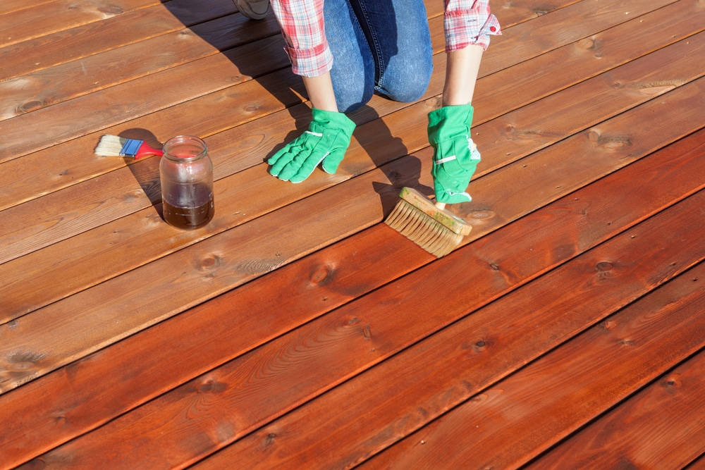 how to apply decking oil
