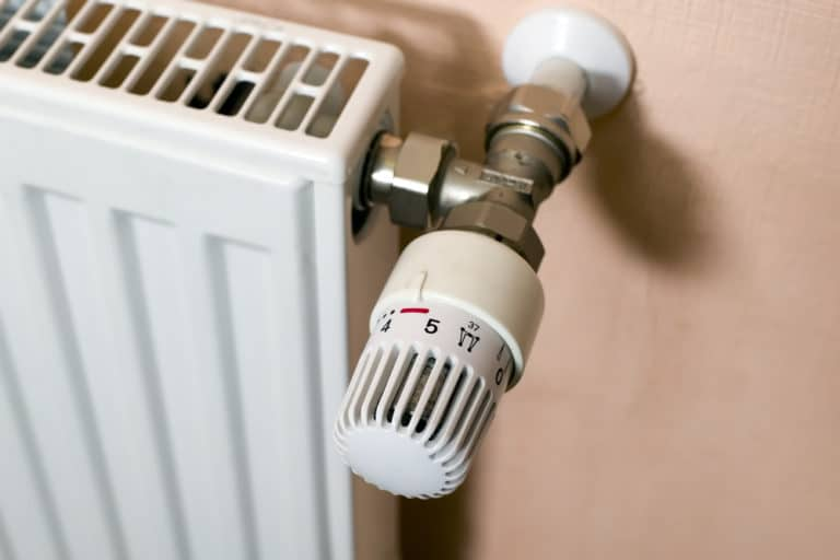 what is a thermostatic valve