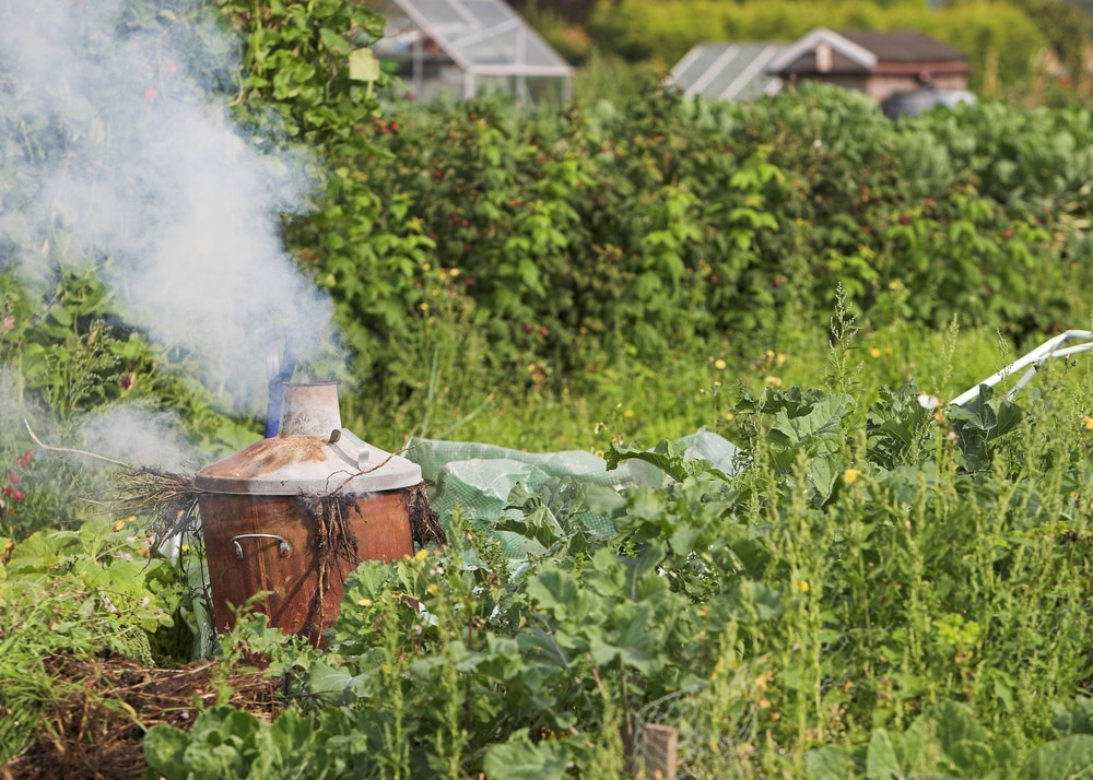 how to use a garden incinerator